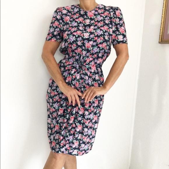 Vintage Dresses & Skirts - Vintage Floral Day Dress Ruched Waist